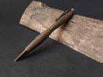 Pen uit 17e eeuws hout donker staal